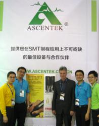 Nepcon Shanghai 2013, left to right: Eagle Sun (Ascentek), Alston (Goldtek), Michael Obrecht (Siborg), Willie Fan (Ascentek), Jason Yeh (Goldtek)